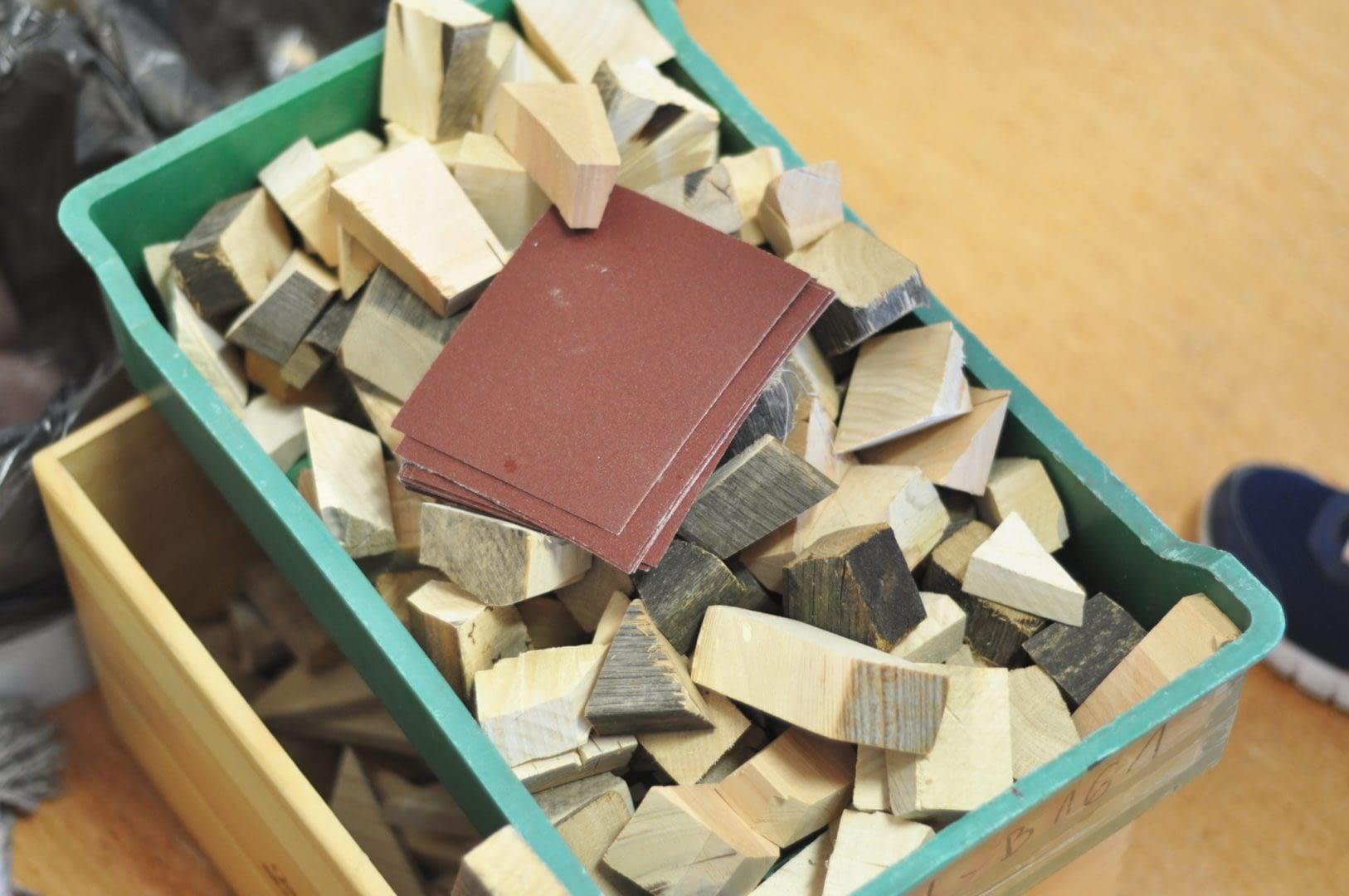 drewno-oraz-papier-scierny