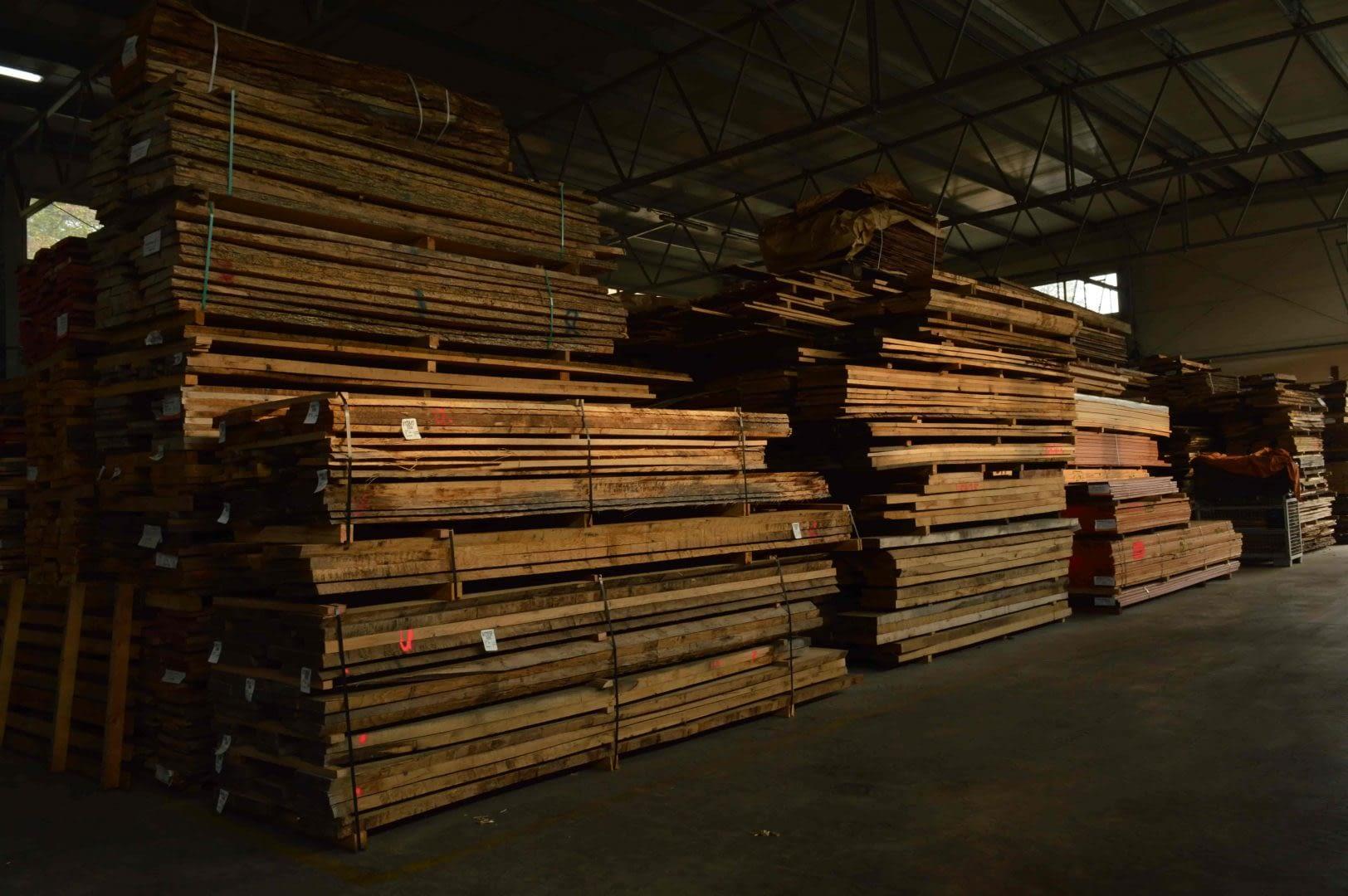 składowanie drewna w firmie Sękowski